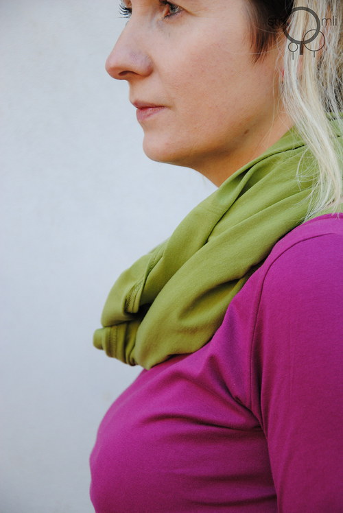 Šátek na více způsobů hráškový