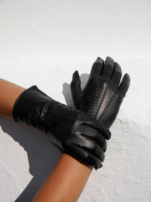Černé dámské kožené rukavice s vlněnou podšívkou