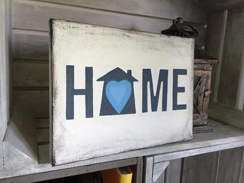 HOME na plátně