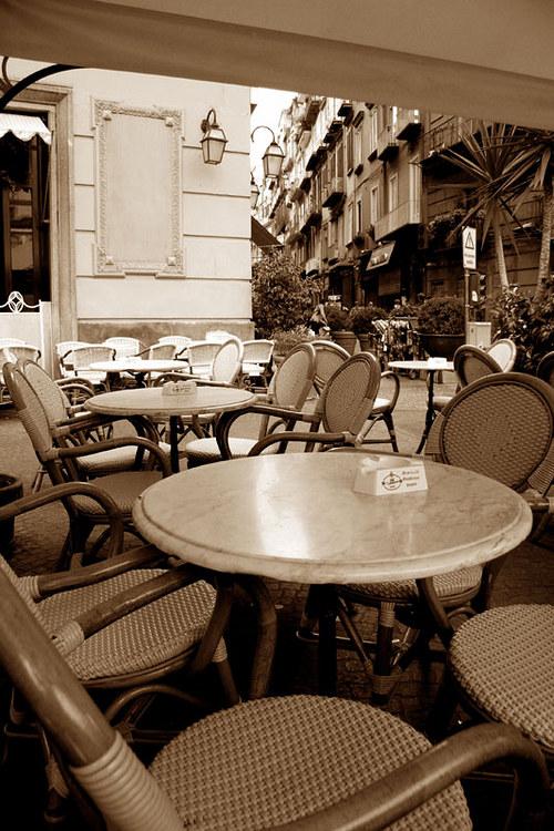 """Fotografie \""""Odpočinek v neapolské kavárně\"""""""