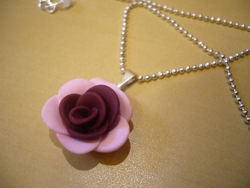 Náhrdelník - růže bodo-růžová