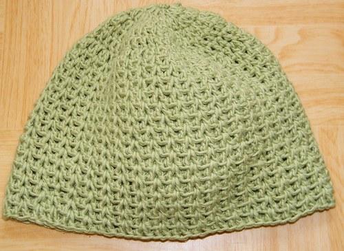 Zelená čapka háčkovaná