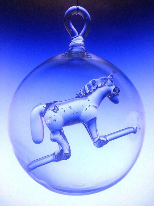 koule s motivem - kůň
