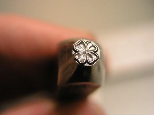 RAZIDLO do kovu - čtyřlístek 5 mm