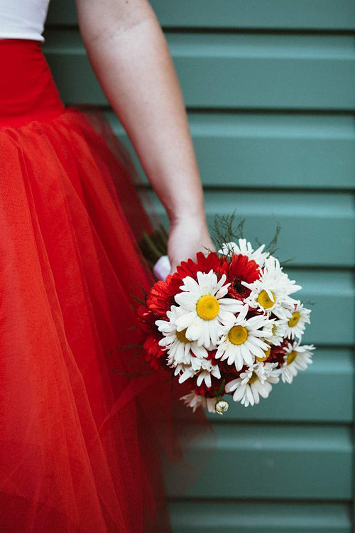 Letní svatební kytice - germini a kopretiny