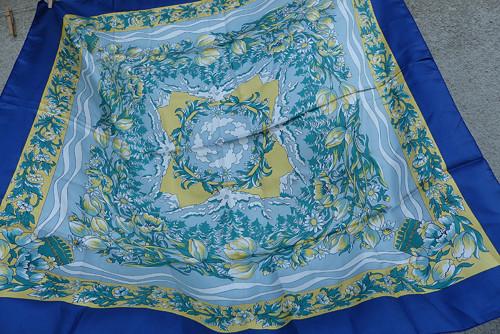 Kvalitní hedvábný šátek Andre Claude Canova