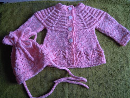 Souprava pletená růžovobílá pro holčičku