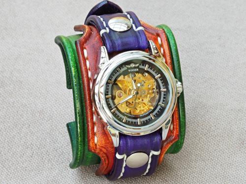 Dámske hodinky,  pásek  zelený, hnědý, fialový