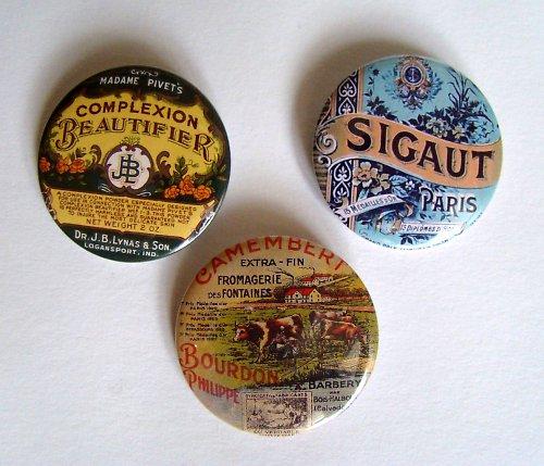 PO FRANCOUZSKU - 3 vintage placky-buttony - 44 mm