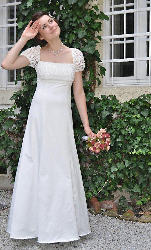 Šaty Grep s Ružičkovým rukávom