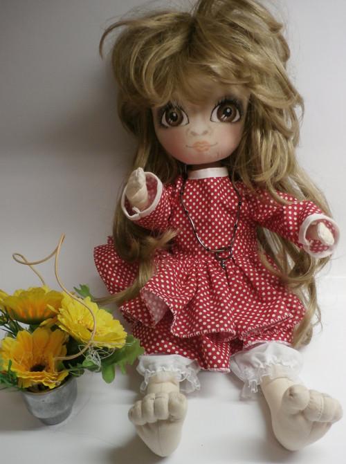 Dlouhovlasá panenka