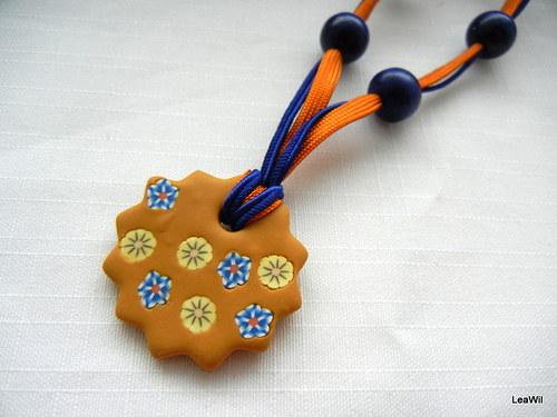 Perníkové květinky - náhrdelník květina