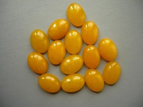 Kabošon - jadeit žlutý 18 mm