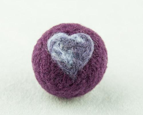 Plstěná kulička pro kočku - fialová s melírem