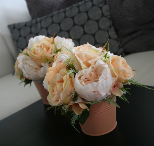 Romantický plecháček s růžemi a pivoňkami