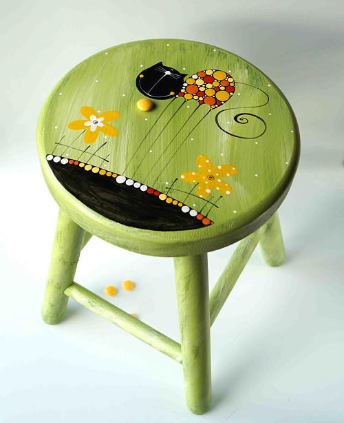 dřevěná stolička s opěradlem - zelená s kočkou