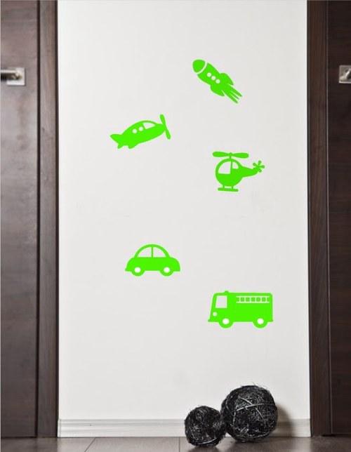 Dopravní prostředky na zeď v zelené