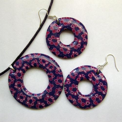 Třpytivé fialové kroužky