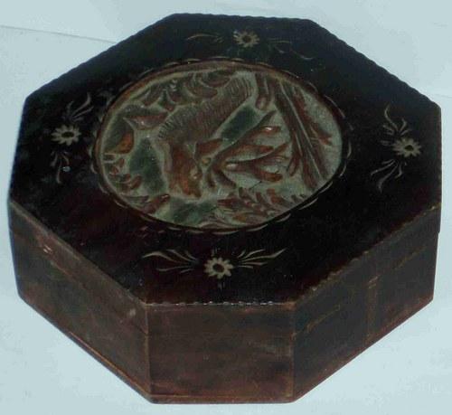 * Dřevěná šperkovnice * stáří asi 150 let *