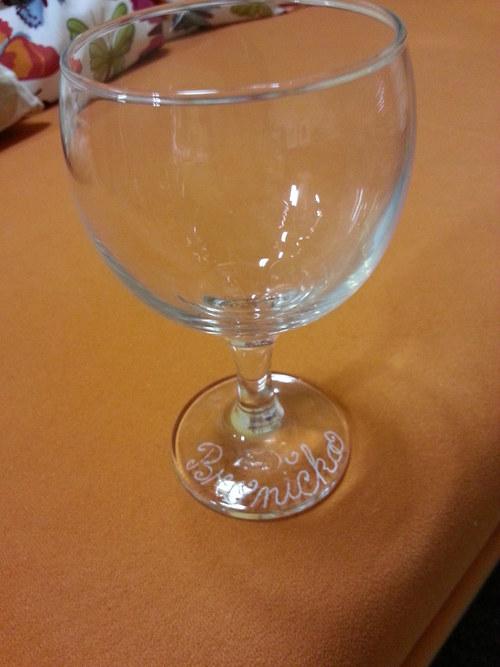 Gravírování  jmen, ornamentů do skleniček aj. skla