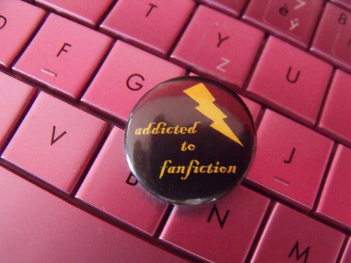 "Button ""Addicted to fanfiction\"" - varianta 1"