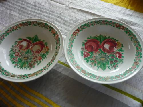 Starý talíř ručně malovaný