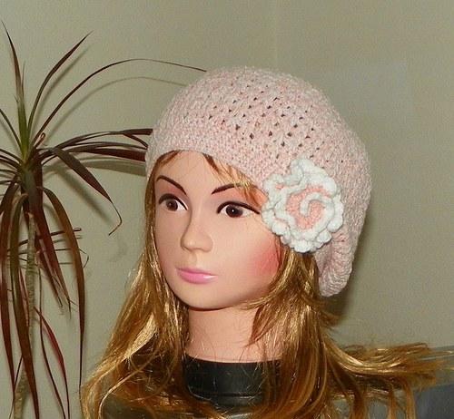 Jemně růžový baret
