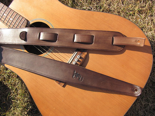 Popruh na kytaru