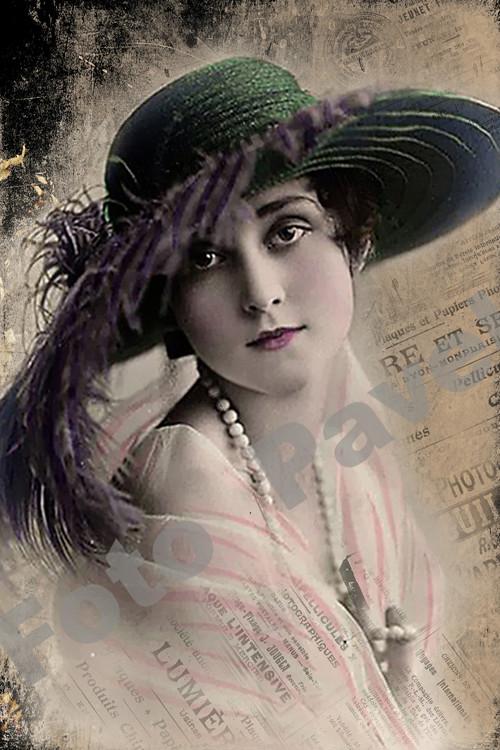 Vintage motiv - portrét dívky v kloboučku - foto