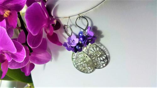 Květinkové fialové