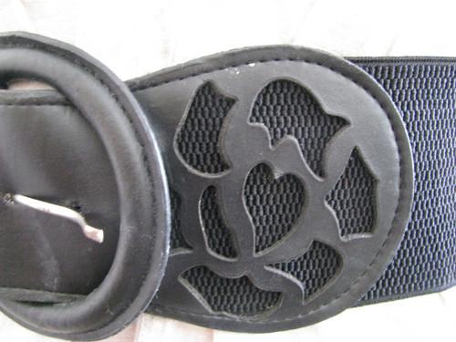 Pásek černý s gumou
