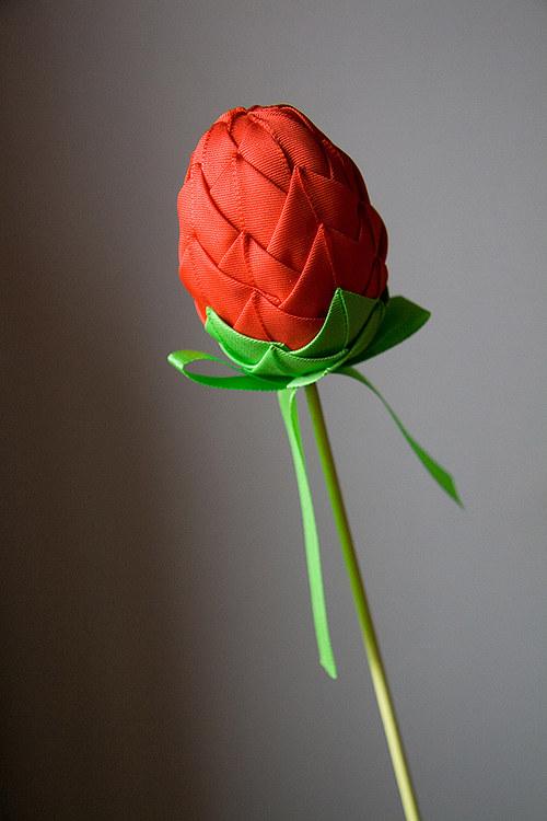 Vajíčko nebo poupátko růže?