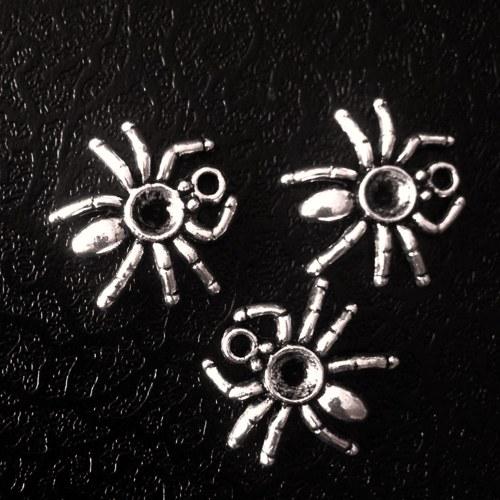 Přívěsek pavouček 1 cb71e792af