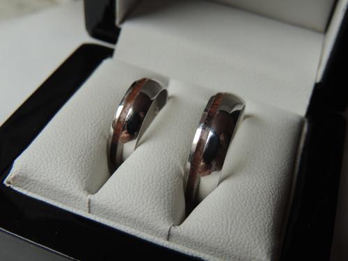 Zlaté prsteny se špetkou palisandru