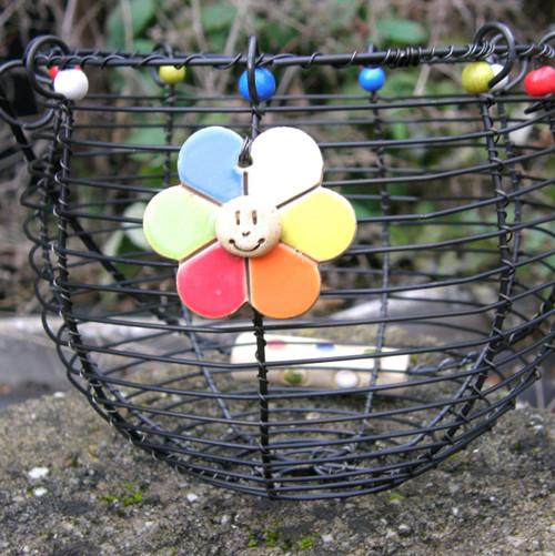 Drátovaný košík Květinka barevná