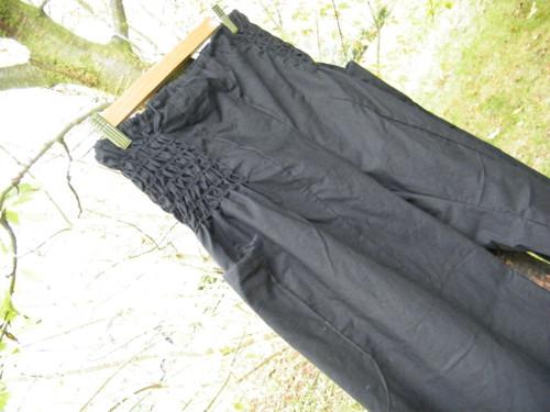 Černé s kapsami