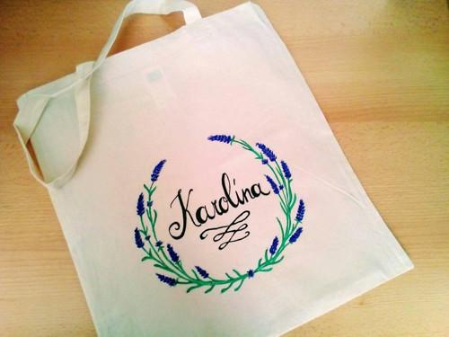 Ručně malovaná levandulová eko-taška s jménem