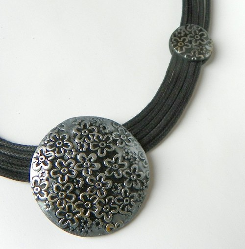 náhrdelník kytičky stříbrné