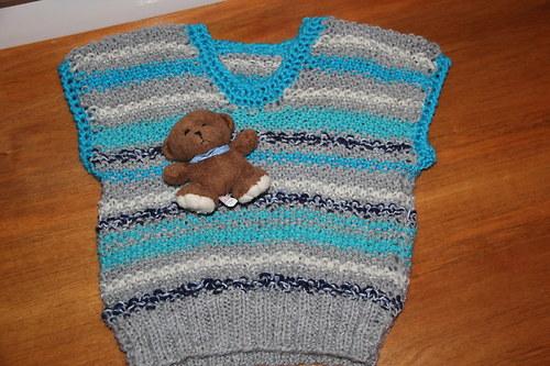 Veselá pletená vestička -pulovr s medvídkem