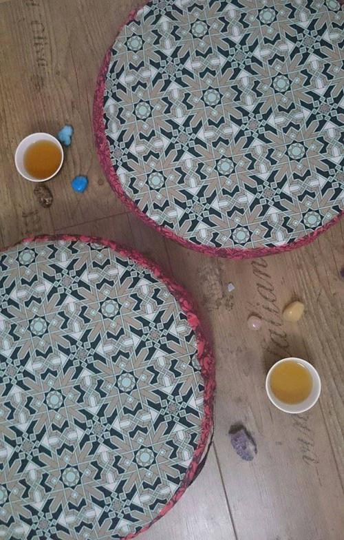 Meditační polštář s pohankovými slupkami
