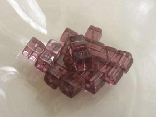 Kostičky - světle fialová 6x6 mm / 10 ks