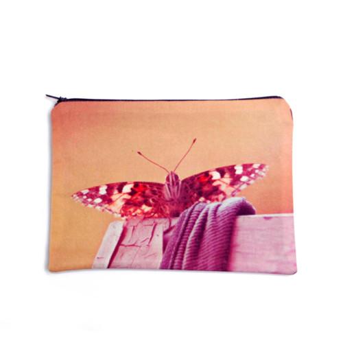 Sedící motýl (zip kapsička MEDIUM)