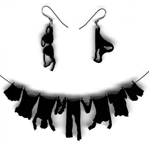 set náhrdelník a náušnice prádlo na šňůře