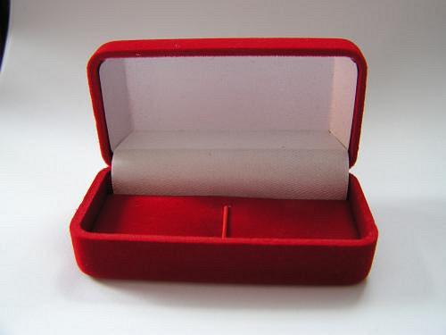 Sametová krabička na šperky - klasická
