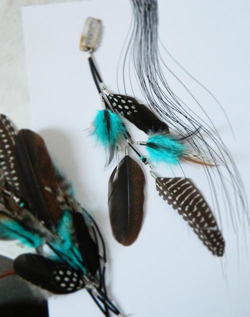 Peříčkový hair clip