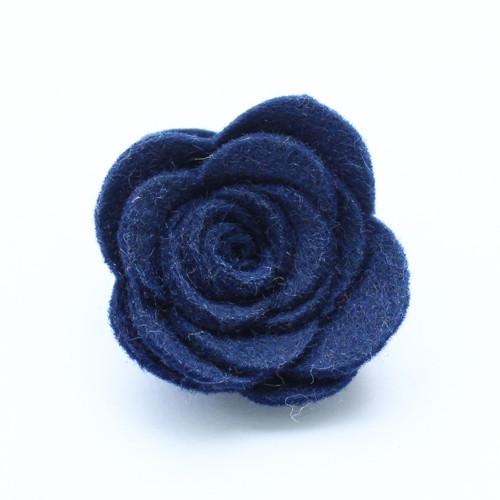 Ozdoba do klopy - tmavě modrá květina