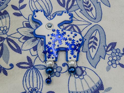 Jelínek s modrými sněhovými vločkami