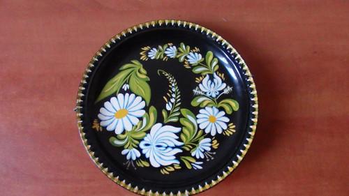 Ručně malovaný talíř  na zavěšení Ditmar Urbach