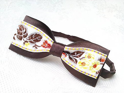 Slovak folklore bow tie (brown/yellow)