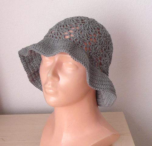 Háčkovaný klobouček
